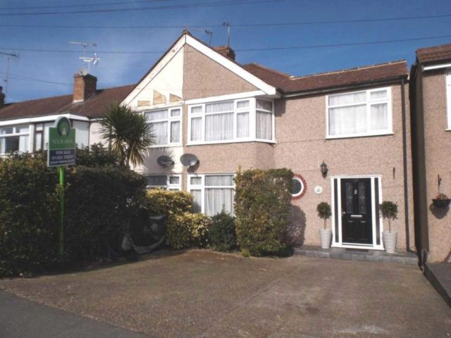 Image of 4 Bedroom Detached for sale in Bexley, DA7 at Parkside Avenue, Bexleyheath, DA7