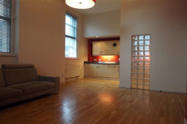 Image of 2 Bedroom Flat to rent in Glasgow, G1 at South Frederick Street, Glasgow, G1