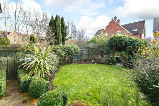 Image of 4 Bedroom Semi-Detached for sale in Oxford, OX2 at Stone Meadow, Oxford, OX2