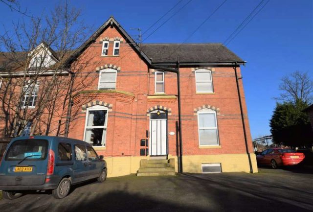 Image of 1 Bedroom Ground Flat for sale in Cheadle, SK8 at Swann Lane, Cheadle Hulme, Cheadle, SK8