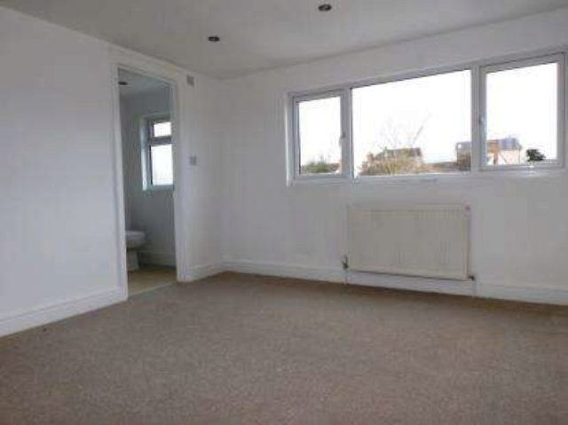 Image of 3 Bedroom Terraced for sale in Potters Bar, EN6 at Highview Gardens, Potters Bar, EN6