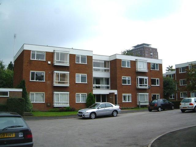 image of 2 bedroom flat to rent in birmingham b15 at carpenter road