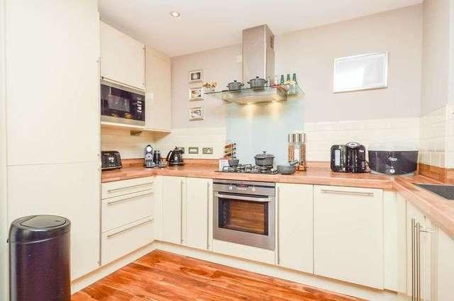 Kimmerghame Terrace Edinburgh 2 bedroom Flat for sale EH4