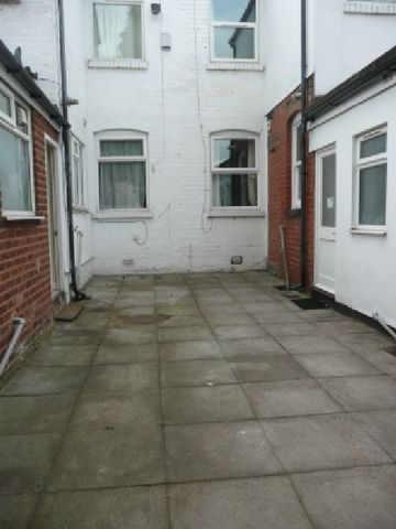House Share To Rent 5 Bedrooms House Share B29 Property Estate Agents In Birmingham