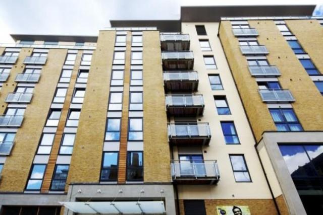 Image of 1 Bedroom Flat to rent at Freemasons Road  London, CR0 6PB