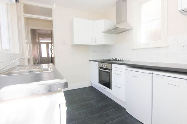 Image of 5 Bedroom Detached to rent at Croxted Road  London, SE24 9DB