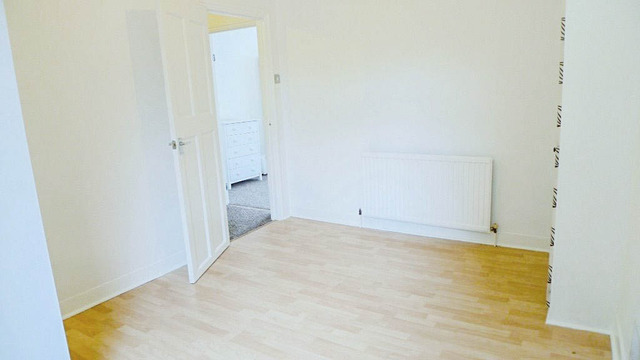 Image of 2 Bedroom Flat to rent at Durban Road  London, SE27 9RW