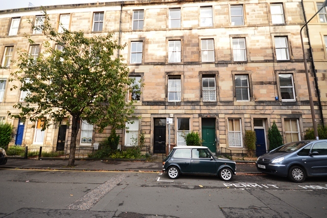 Flat To Rent 2 Bedrooms Flat Eh8 Property Estate Agents In Edinburgh Edinburgh