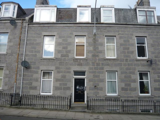 Flat To Rent 2 Bedrooms Flat Ab11 Property Estate