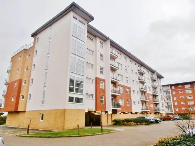 Flat To Rent 2 Bedrooms Flat Al10 Property Amp Estate