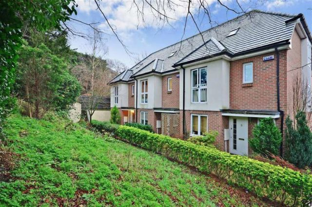 Holmes Close Purley 3 Bedroom Town House For Sale Cr8