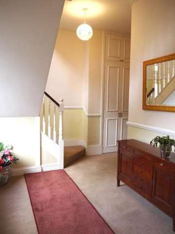 Image of 2 Bedroom Flat  For Sale at Beckenham, BR3 3XP