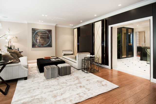 Image of 2 Bedroom Ground Flat  For Sale at Mayfair  London, W1K 2AT
