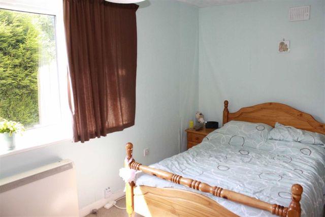 image of 2 bedroom flat for sale at northfield birmingham birmingham