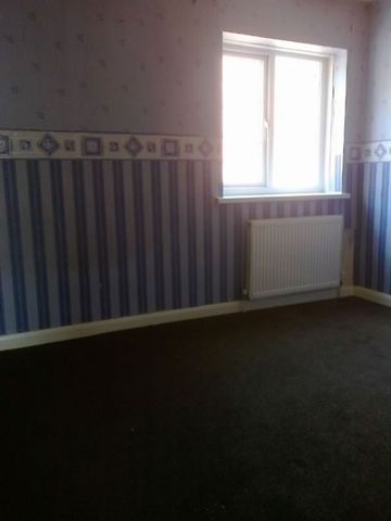 Image of 3 Bedroom Detached  To Rent at Ryod Street  Batley, WF17 6EL