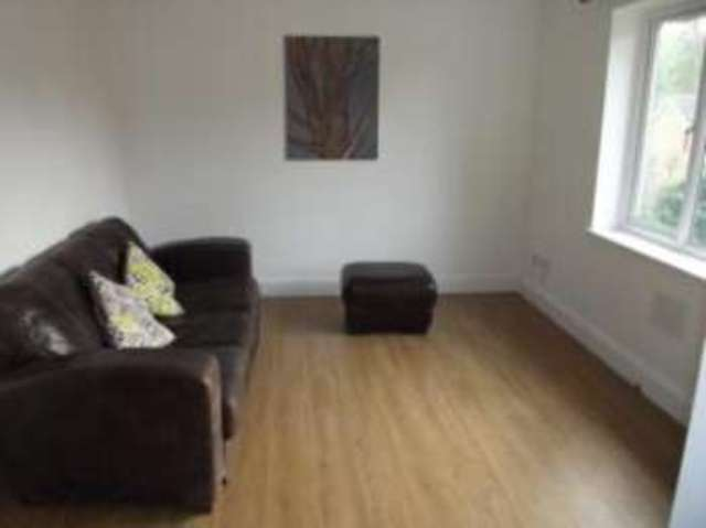 Image of 1 Bedroom Flat  For Sale at Halesworth Suffolk Halesworth, IP19 8TL