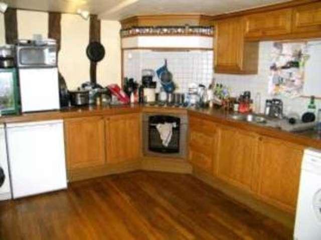 Image of 3 Bedroom Maisonette  For Sale at High Street Dedham Dedham, CO7 6DE