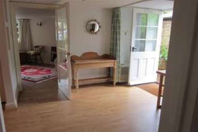 Image of 1 Bedroom Flat  To Rent at Broadway, WR12 7HJ