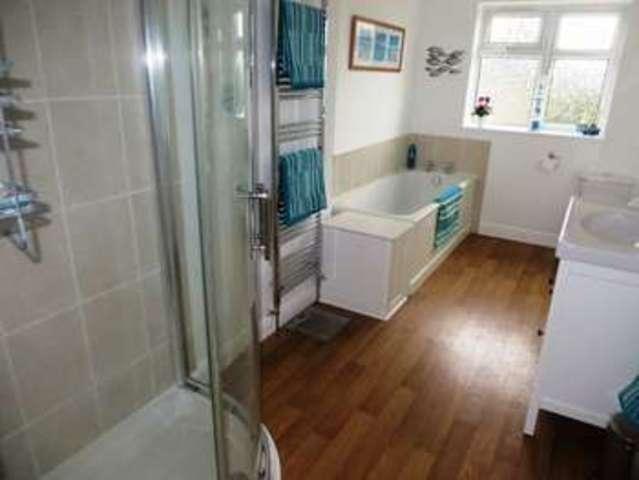 Image of 4 Bedroom Semi-Detached for sale at Windsor Road  Oldbury, B68 8PB