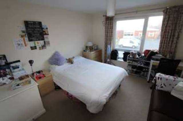 Image of 4 Bedroom Mews to rent at Guide Post Road Grove Village Manchester, M13 9JH