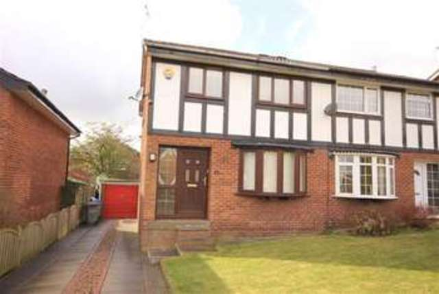 Image of 3 Bedroom Property to rent at Augusta Close Rochdale Rochdale, OL12 6HT