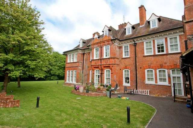 Image of 2 Bedroom Flat for sale in Ruislip, HA4 at Lidgould Grove, Ruislip, HA4