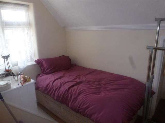 Image of 2 Bedroom Flat for sale in Erith, DA8 at Erith Road, Northumberland Heath, Erith, DA8