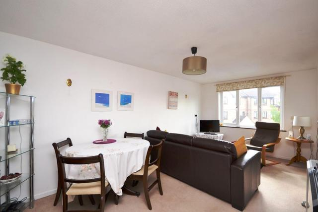 Image of 2 Bedroom Property to rent at East Finchley, N2 8NS