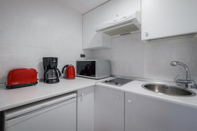 Image of 1 Bedroom Flat to rent at Albany Street London Regent