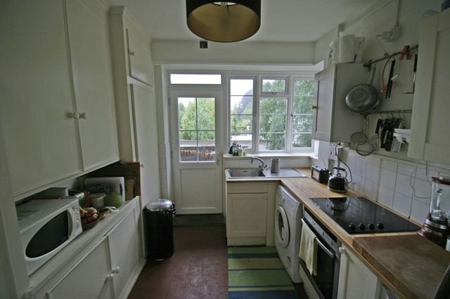 Image of 2 Bedroom Houses to rent at The Green, Winchmore Hill, Winchmore Hill, N21 1LD