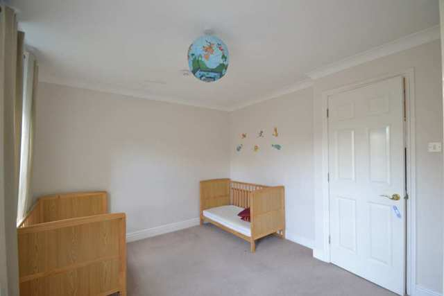Image of 3 Bedroom Detached to rent in Acton Green, W4 at Carver Close, London, W4