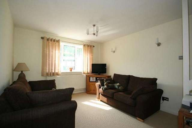 Image of 2 Bedroom Semi-Detached to rent in South Brent, TQ10 at Avon Close, South Brent, TQ10