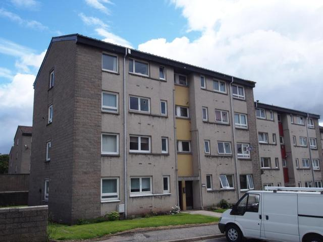 Flat To Rent 2 Bedrooms Flat Ab16 Property Estate