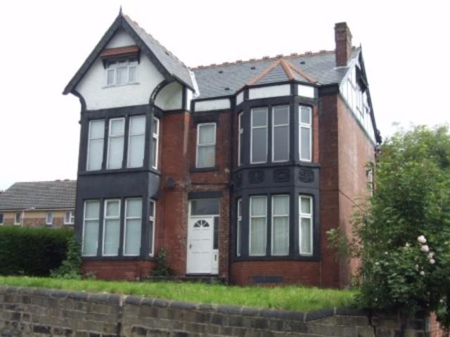 Image of 1 Bedroom Studio to rent at Harehills Lane  Leeds, LS8 4DN