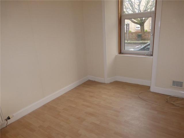 Image of 1 Bedroom Flat to rent at Easter Road Edinburgh Edinburgh, EH7 5NW