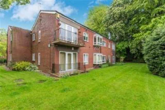 Flat To Rent 2 Bedrooms Flat B17 Property Estate Agents In Birmingham Birmingham