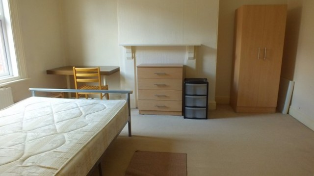 Image of Studio to rent at Manor Terrace  Leeds, LS6 1BU