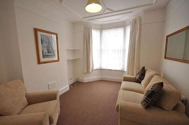 Image of 1 Bedroom Flat to rent at Chiswick, W4 5EU