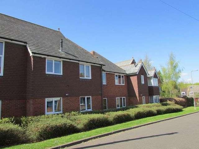 flat to rent 2 bedrooms flat rg22 property estate. Black Bedroom Furniture Sets. Home Design Ideas