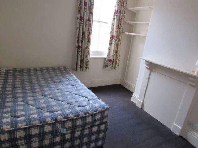 Leighton terrace exeter 7 bedroom town house to rent ex4 for Terrace exeter