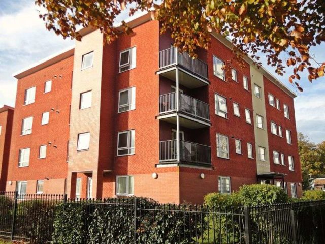 bedroom flat to rent at hollies croft edgbaston birmingham b5 7qz
