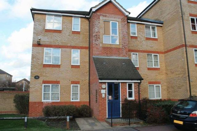 Property for sale in Enfield, Greater London ...