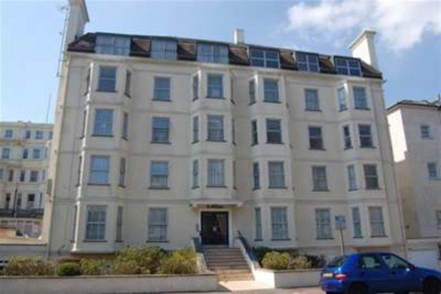 image of 2 bedroom flat to rent in eastbourne bn21 at st brelades