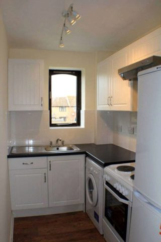 Bed Property For Rent In Kennet Close