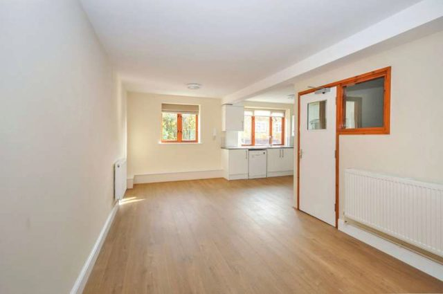 Holloway Road Oxford 2 bedroom Flat to rent OX33