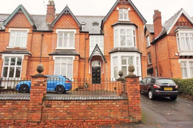 bedroom flat to rent at 10 oxford road moseley birmingham b13 9eh