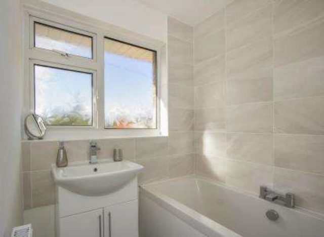 3 bedroom house to rent upton poole small house interior design u2022 rh sweetthangs co