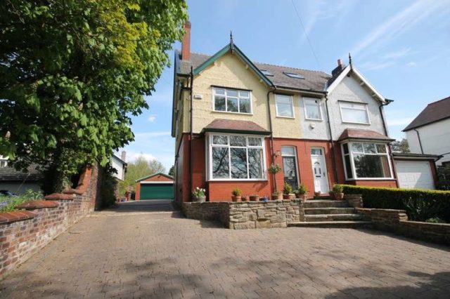 Woodlands Drive Manchester 4 Bedroom Semi Detached To Rent M46