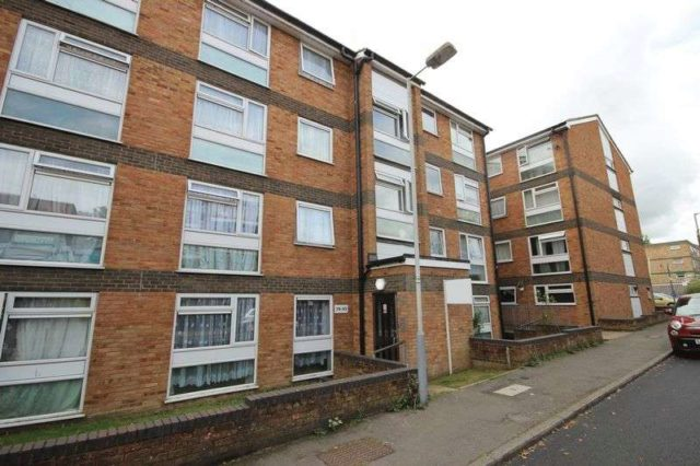Bed Room Flat To Rent Luton Brook Street