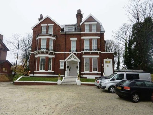 Westcliffe Road Southport 1 bedroom Flat to rent PR8